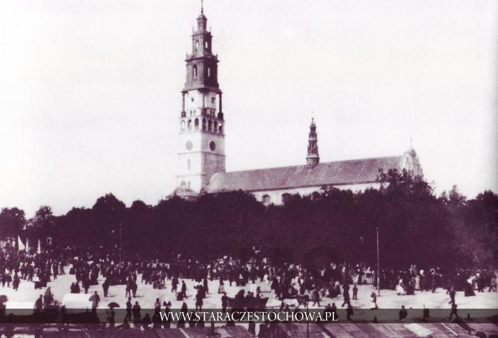 Kramy przed Klasztorem Jasnogórskim, ok. 1900 roku