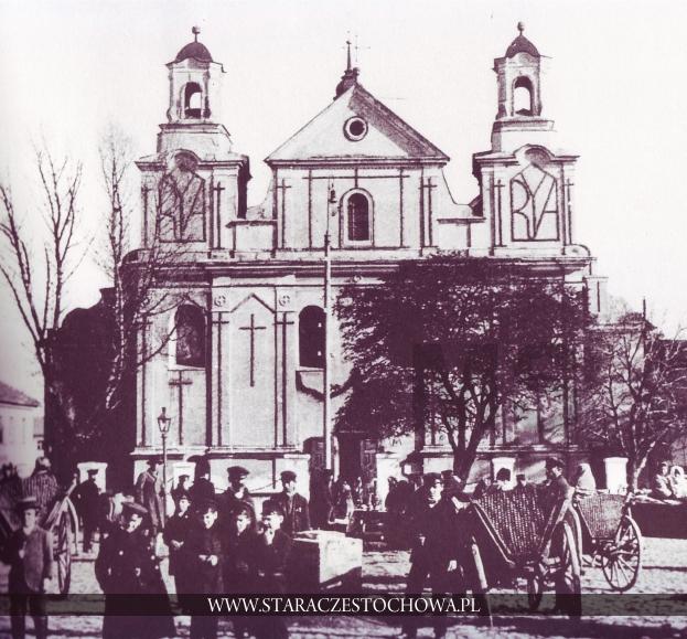 Targ na Nowym Rynku, w głębi kościół św. Zygmunta