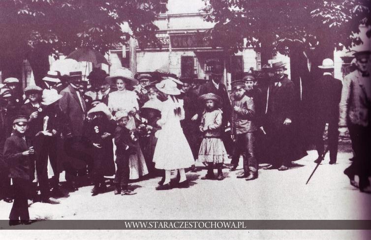 Częstochowa dawniej, Spacer w Alejach, ok. 1910 roku