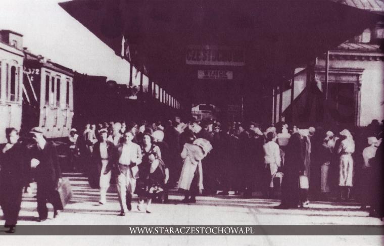 Stara Częstochowa, Podróżni, lata 30-te, dworzec PKP