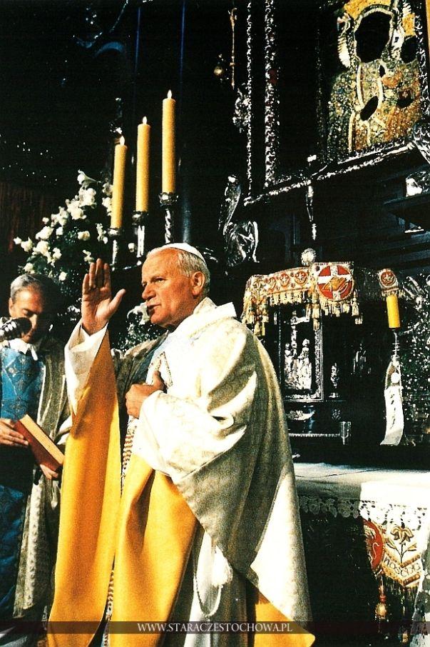 Ojciec Święty Jan Paweł II błogosławi Pielgrzymów